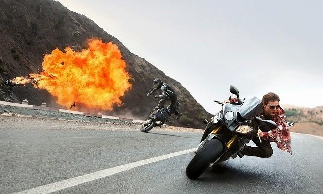 """""""ノースタント""""にこだわるのがトム!「ミッション:インポッシブル5」命がけのバイクアクション映像公開"""