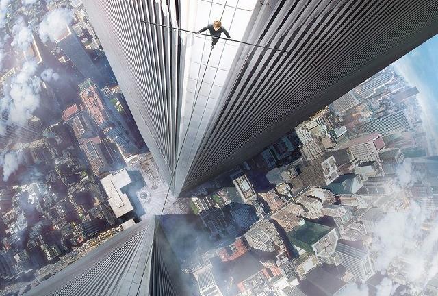 J・ゴードン=レビットが地上411メートルを歩く「ザ・ウォーク」胃が縮まる予告完成!