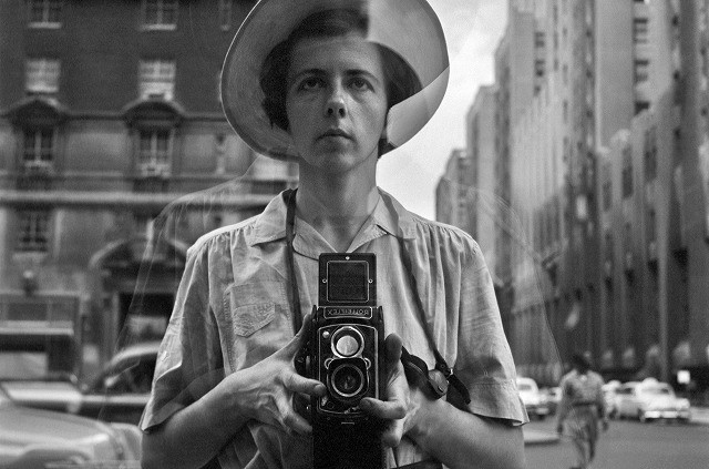 世界を熱狂させた、天才女性写真家のドキュメンタリー「ヴィヴィアン・マイヤーを探して」予告編