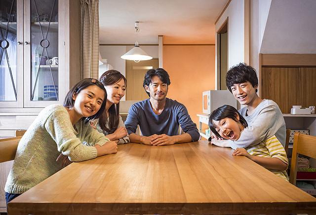 竹野内豊と松雪泰子が疑似夫婦を演じた 「at Home アットホーム」
