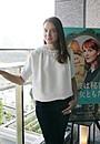 「彼は秘密の女ともだち」主演アナイス・ドゥムースティエ、オゾン監督は「女性の孤独を美しく描く」
