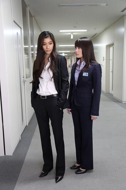 北乃きい&篠原涼子「アンフェア ダブル・ミーニング」最新作で初共演!