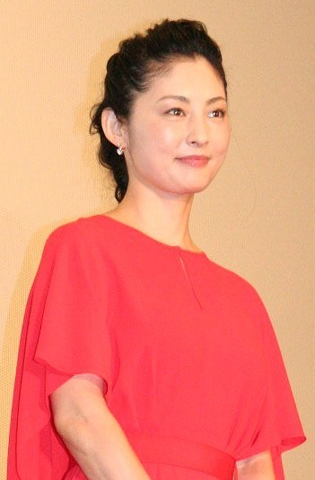 常盤貴子、主演作舞台挨拶で塚本晋也監督「野火」を宣伝!?