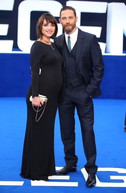 トム・ハーディの妻シャーロット・ライリーが妊娠