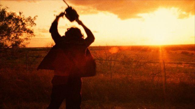 「悪魔のいけにえ」リマスター版、10月4日に自動のこぎりの轟音上映会決定!