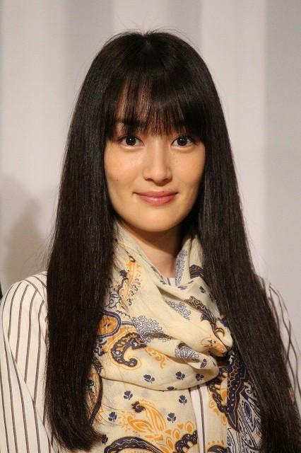 高梨臨、月9ドラマ初出演!美人英会話講師役への意気込み明かす