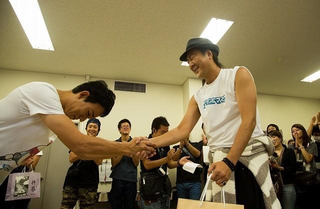 ファンキー加藤、映画初主演作「サブイボマスク」がクランクアップ!