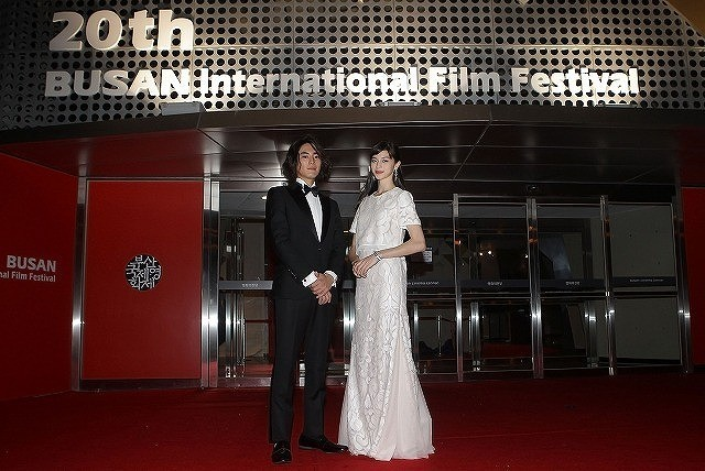 中条あやみ&間宮祥太朗、釜山国際映画祭に初参加!