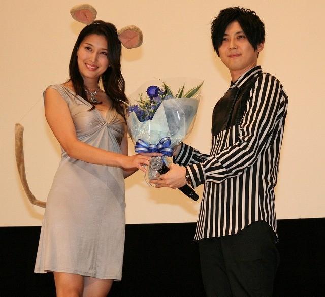 梶裕貴、橋本マナミのネズミコスプレにドギマギ「ガンバとのキャップがすごい」