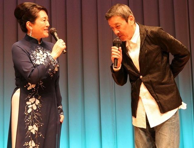 松坂慶子のアオザイ姿に奥田瑛二デレデレ「なんで恋人役じゃないんだよ」