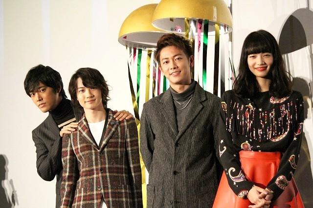 """佐藤健&神木隆之介、舞台挨拶で一般カップルの""""愛のキューピット""""になっていた!"""
