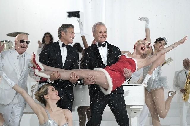 Netflix初のクリスマス特番「ビル・マーレイ・クリスマス」、豪華ゲスト登場の予告公開!
