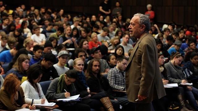 ロバート・ライシュの講義に密着 経済ドキュメンタリー「みんなのための資本論」