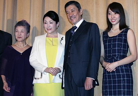 松坂慶子、「20代のつもりで演じた」主演映画公開に感無量 共演者からの賛辞には大照れ