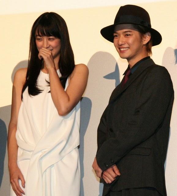 共演2度目の千葉雄大と山本美月「前より素敵になっていた」と褒め合い