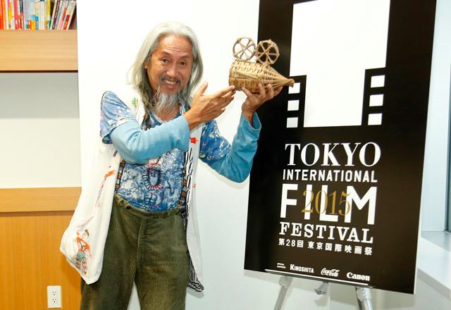 キドラット・タヒミック監督が35年間も撮影を棚上げして取り組んだことは?