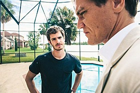 「ドリーム ホーム 99%を操る男たち」場面写真「ドリーム ホーム 99%を操る男たち」
