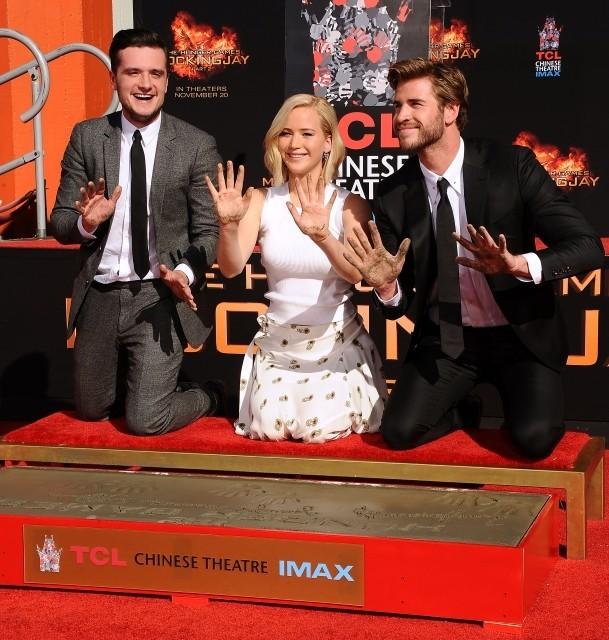 ハリウッドのチャイニーズ・シアターに ジェニファー・ローレンスの手形が刻まれる