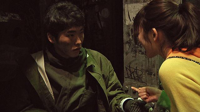 柄本佑、田村愛ら出演 震災直後の渋谷で撮られた未公開作「ロボとミリ」が初上映