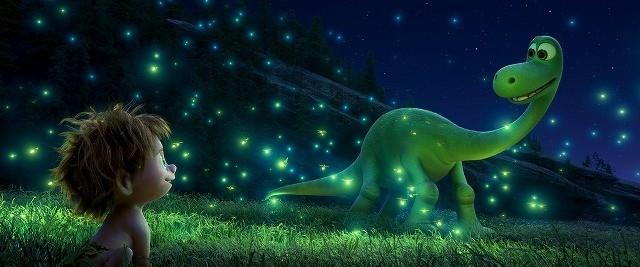 """弱虫な恐竜が""""恐怖を乗り越える""""「アーロと少年」予告編公開!"""