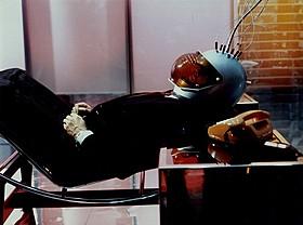 ファスビンダー幻のSF映画「あやつり糸の世界」「あやつり糸の世界」
