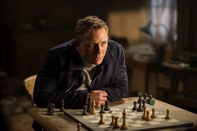 ダニエル・クレイグの困惑笑顔に自虐ネタも!「007 スペクター」インタビュー映像独占入手