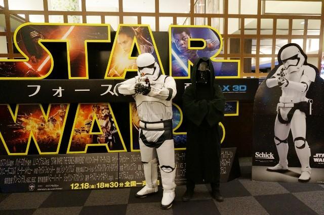 【スター・ウォーズは初日に見る主義】「フォースの覚醒」初回を特大IMAXで鑑賞するツアーに行ってきた!