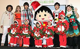 クリスマスをイメージした衣装で舞台挨拶!