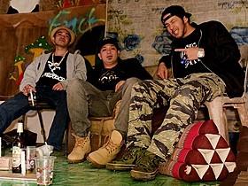 左からRaynoa(TONDO TRIBE)、OG Sacred (TONDO TRIBE)、Young-G(stillichimiya)「バンコクナイツ」