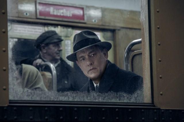 トム・ハンクスがスピルバーグ監督&コーエン兄弟脚本の「ブリッジ・オブ・スパイ」を語り尽くす映像公開