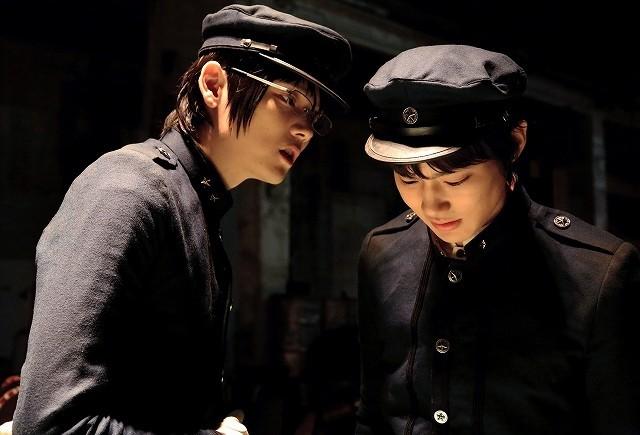 ゼラ役の古川雄輝とタミヤ役の野村周平
