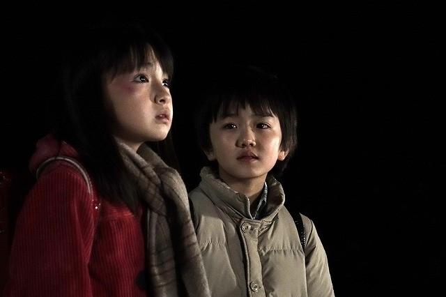 藤原竜也×有村架純初共演作「僕だけがいない街」、天才子役の演技が光る場面写真公開