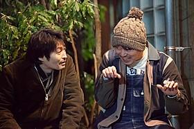 共演した安田顕と新井浩文「俳優 亀岡拓次」