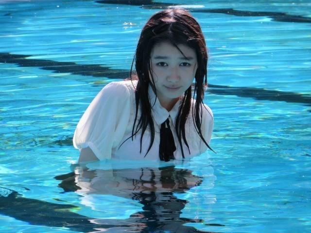 「Seventeen」モデル岡本夏美、日本初4DX専用映画「ボクソール★ライドショー」でのオフショット公開!
