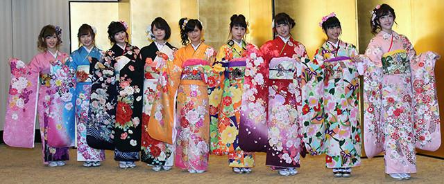 """入山杏奈命名、AKB48グループ新成人は""""遅咲き世代""""「立派な花になる予定です」"""