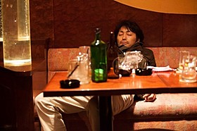 実際に酒を飲んで撮影に臨むこともあったという「俳優 亀岡拓次」
