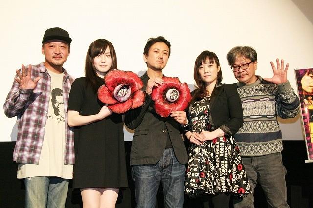 鬼才・佐藤寿保監督、「華魂」続編に自信「熱気と狂気と愛に包まれた映画」