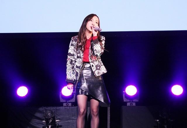 板野友美、初主演映画「のぞきめ」の主題歌を初披露! 予告編も公開