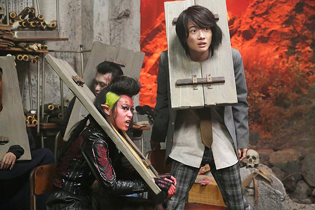 神木隆之介が演じるウザキャラの七変化 「TOO YOUNG TO DIE!」場面写真一挙公開