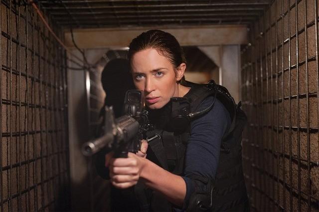 エミリー・ブラント主演「ボーダーライン」、麻薬戦争の非情な現実とらえた予告編公開