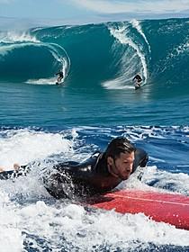 30メートルもの大波の中、撮影を敢行「X-ミッション」