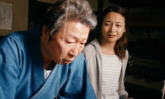 石倉三郎とキム・コッピが共演「つむぐもの」 頑固職人と韓国女子の心の交流映す予告編
