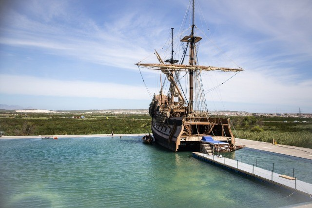 マイケル・ベイ制作総指揮のドラマ「Black Sails」映画顔負けの撮影風景公開