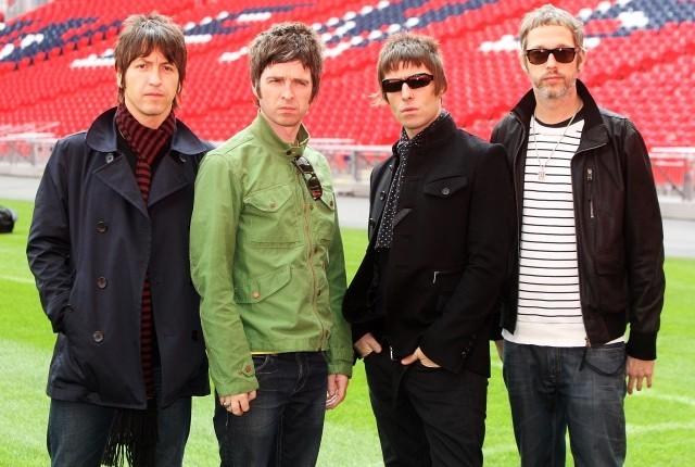 英ロックバンド「オアシス」のドキュメンタリー、舞台裏は「ドラッグまみれ」