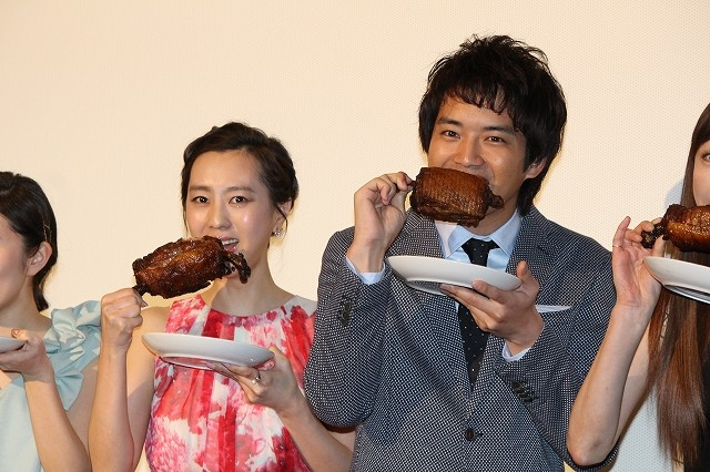 三浦貴大、主演作「マンガ肉と僕」でハーレム状態「美女3人に囲まれた」とデレデレ