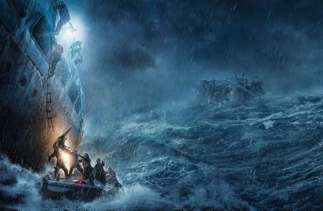 """船が真っ二つ&最大規模の嵐、無謀すぎる""""実話""""救出任務!「ザ・ブリザード」特別映像"""