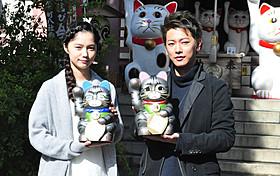ヒット祈願を行った佐藤健と宮崎あおい「世界から猫が消えたなら」
