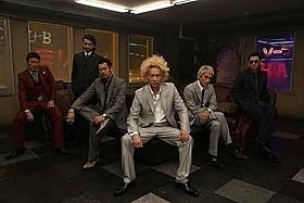 新たに組まれたバースト事務所セットでの撮影風景「新宿スワン」