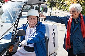 撮影現場での徳永ゆうきと山田洋次監督「男はつらいよ」