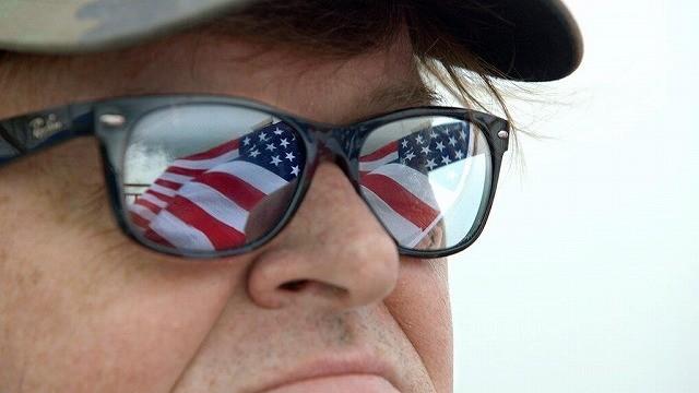 M・ムーア新作ドキュメンタリー「マイケル・ムーアの世界侵略のススメ」5月公開